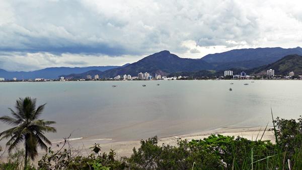 Praia do Camaroeiro - Orla Central de Caraguatatuba